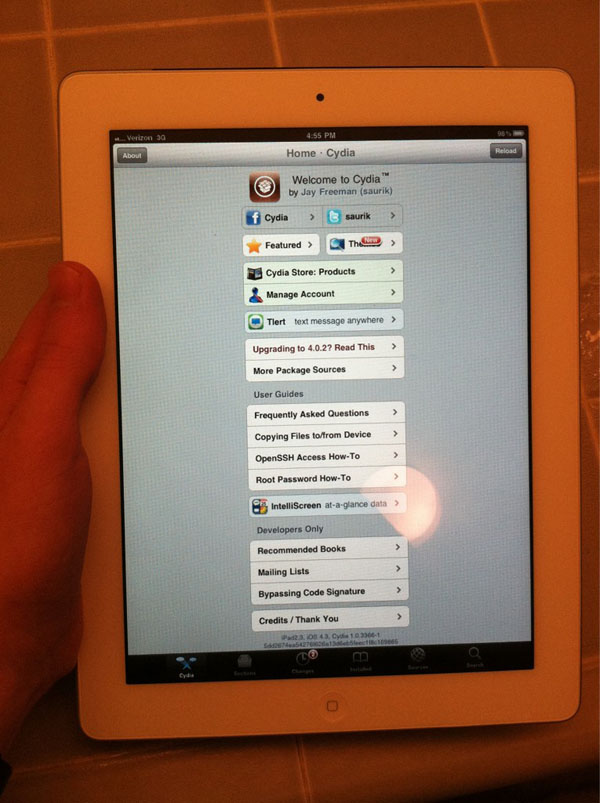 Apple iPad 2 Running Cydia